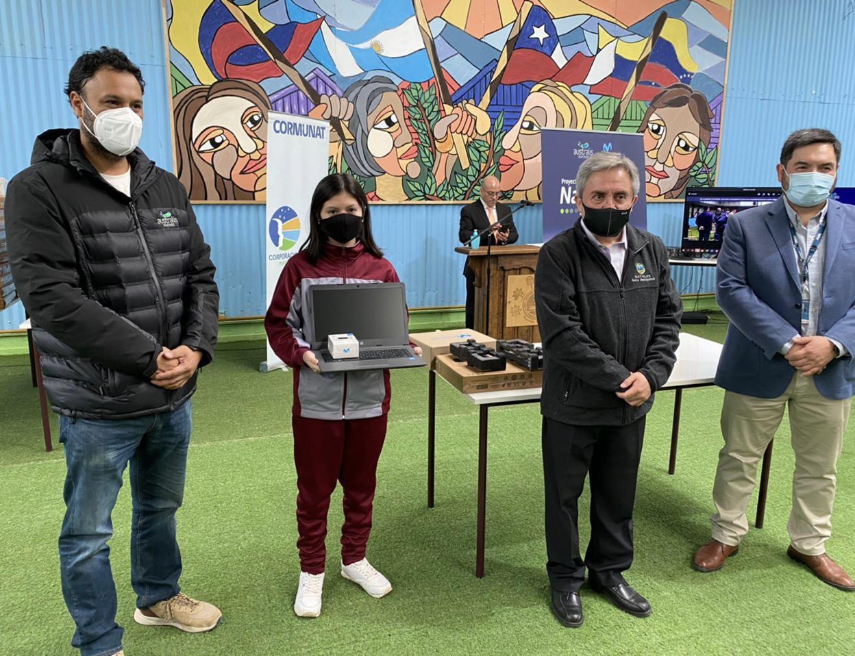 Australis y Movistar Empresas donan 500 computadores e internet gratuito a niños de Puerto Natales